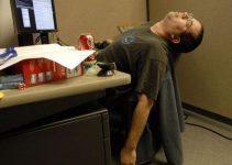como-sentarse-bien-en-la-oficina-o-el-trabajo