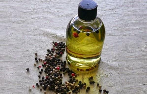 aceite de pimienta para aumentar los labios