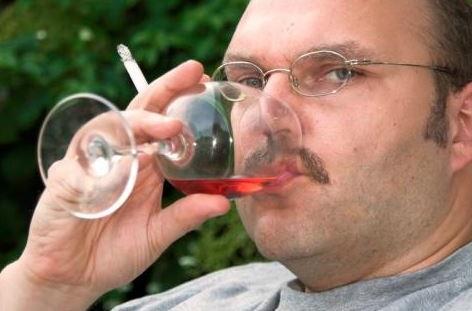 el alcohol y el tabaco aumentan los factores de riesgo de padecer enfermedades renales