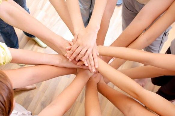 ser solidarios nos ayuda a ser mas felices