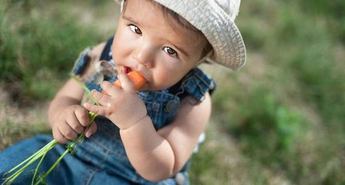 Cómo conseguir que tu hijo coma de forma saludable