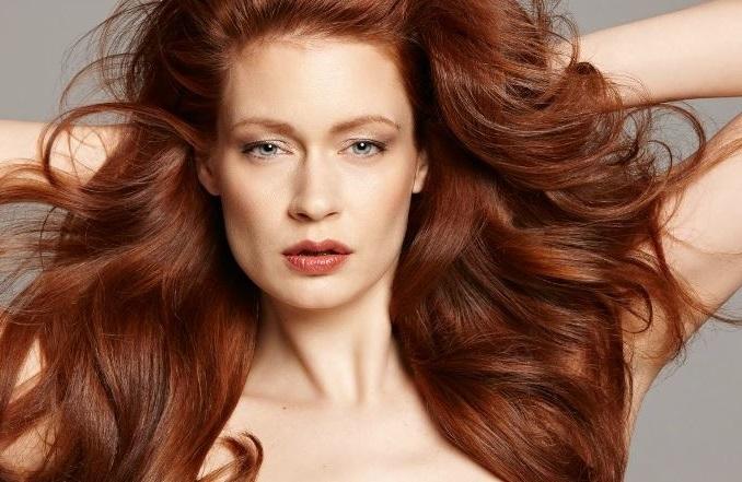 cambiar el corte de pelo puede disimular algunos defectos como la papada
