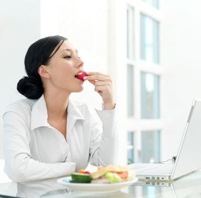 realizar 6 comidas al dia es mejor que atiborrarse en 2