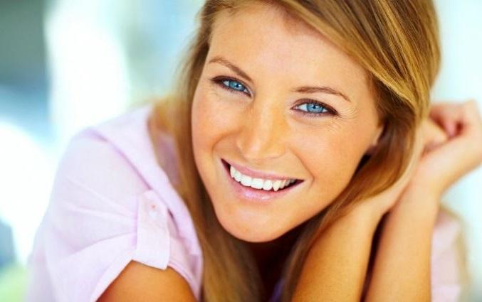 sonreir es uno de los mejores remedios para que nuestra piel este tersa y firme