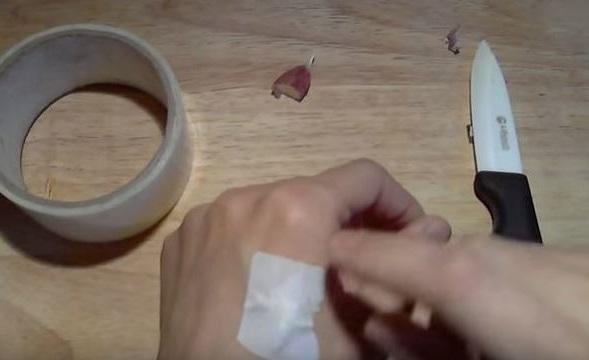 cinta adhesiva como remedio natural para deshacerse de las verrugas