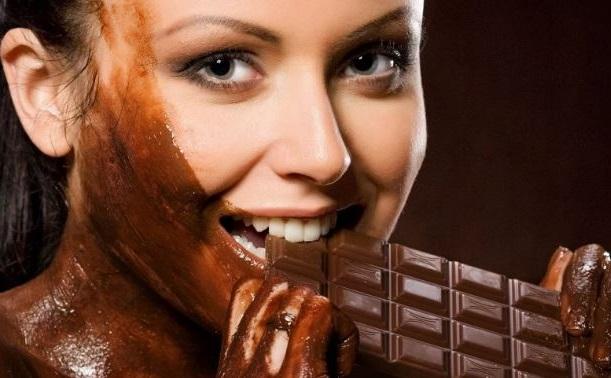 el chocolate negro protege a tu piel de los daños provocados por el so