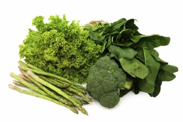 las verduras de hoja verde son una buena fuente de hierro para nuestro organismo