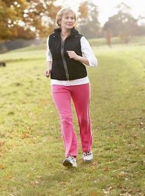 caminar es uno de los mejores ejercicios para la circulacion de las piernas