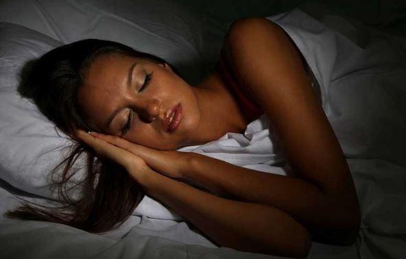 dormir bien beneficia al sistema inmunologico