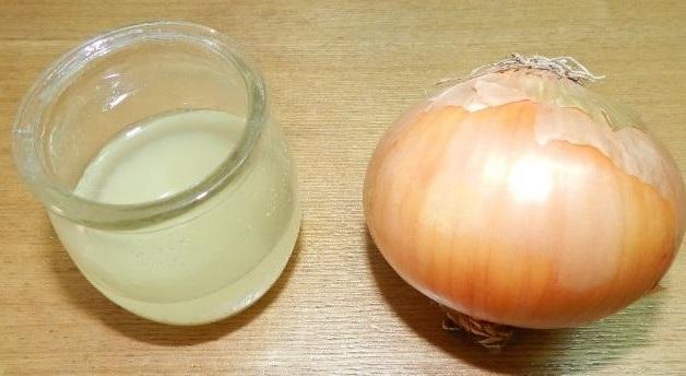 el jugo de cebolla puede ayudar contra la caida del pelo