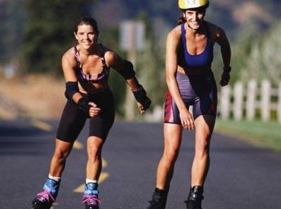 patinando se consigue mejorar la resistencia y trabajar los musculos de varias partes del cuerpo