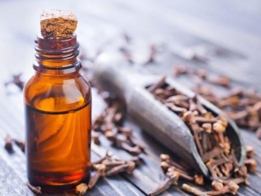 remedio casero con aceite de clavo para el dolor de dientes