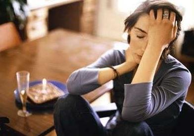 existen muchas causas que pueden desencadenar una fuga disociativa