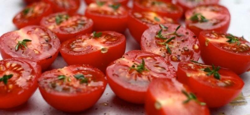 la mejor forma de comer el tomate y la que mas beneficios proporciona a nuestra salud es el tomate entero