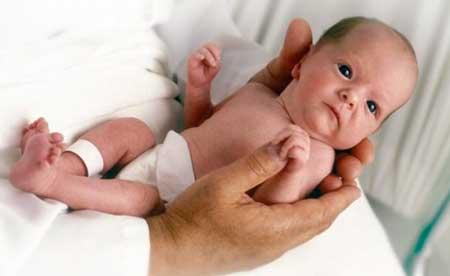 el acido folico ayuda a prevenir malformaciones en el bebe como por ejemplo la espina bifida