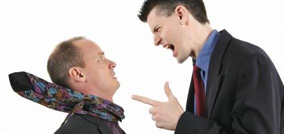 uno de los sintomas de la enfermedad de Pick es que te vuelve desinhibido y grosero