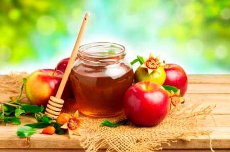 la mezcla de vinagre de manzana y miel es un buen remedio para la flatulencia