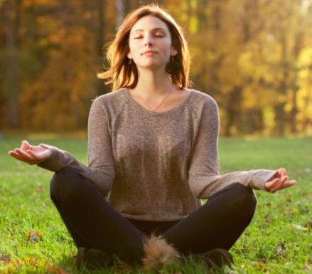 como relajar cuerpo y mente en casa