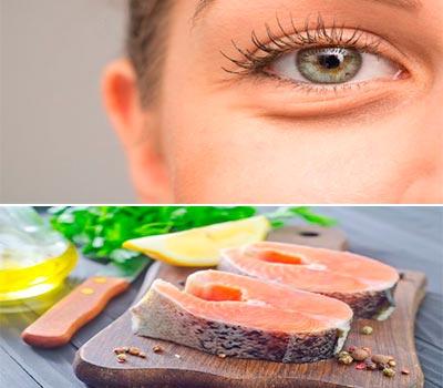 el ojo de una mujer y debajo dos trozos de salmon