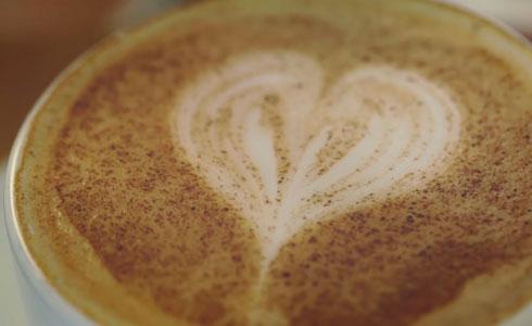la cafeina es buena para el corazon