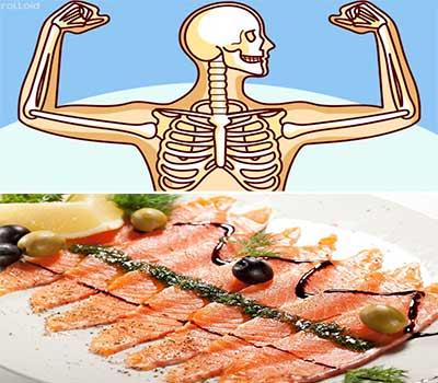 plato con salmon ahumado y encima una figura de esqueleto